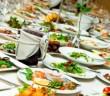 tavola-apparecchiata-cibo-535x300