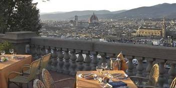 Italy-Florence-Loggia-Good-View