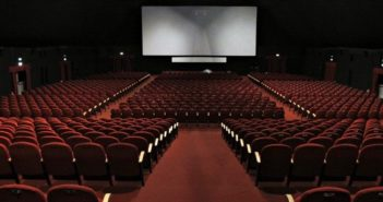 Interno sala cinema